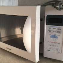 Продаю микроволновую печь с грилем SAMSUNG G2739NR, в Ульяновске