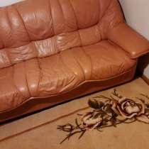 Кожаный диван, б/у, хорош. состояние, беж, в г.Таллин