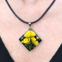Кулон-ромб с желтыми цветами, в Кстове