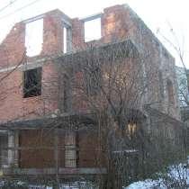 Недостроенный дом, в г.Черновцы