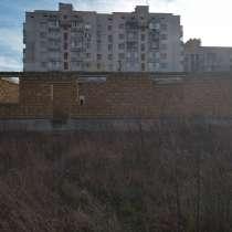 Участок с недостроенным домом, в Симферополе