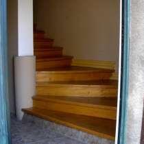Сдается посуточно 4-х комнатная квартира (ВЕСЬ 2 ЭТАЖ), в г.Тбилиси
