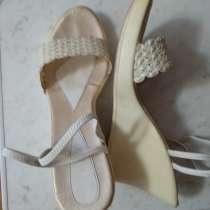 Продаю белые босоножки 37,5-38 размер, в г.Темиртау