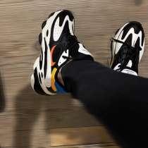 Удобные и качественные мужские кроссовки, в Химках