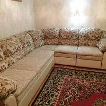 Продаётся большой угловой диван и кресло, в Ессентуках
