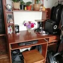 Продам компьютерный стол1000р, в Великих Луках