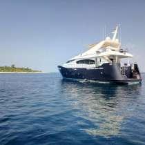 Моторная яхта, в г.Мале