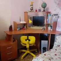 Продам недорого письменный стол, в г.Алчевск