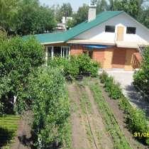 Коттедж. В городе Камышин, гараж, баня, бассейн,сад,16 соток, в Владивостоке