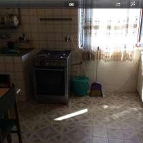 В батуми здоется дом. цена за месяц 1700$. до лето, в г.Зугдиди