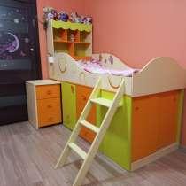 Продам детскую кровать чердак со столом, в Иванове