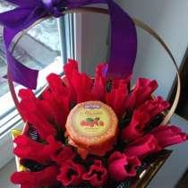 Оригинальный букет из конфет в виде роз с чаем и в, в Казани