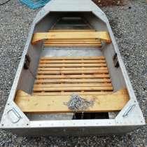 Продаю вёсельную алюминиевую лодку, в Ростове-на-Дону