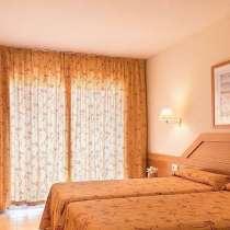 Отель три звезды, на побережье Коста Брава, в Санкт-Петербурге