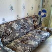 Продам диван и кровать с 2 тумбочками б/у, в Геленджике
