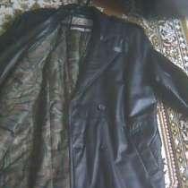 Продам новое кожаное пальто мужское рр 52-54 темное. корея, в Краснодаре