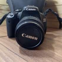 Продам зеркальный фотоаппарат Canon600d, в Москве