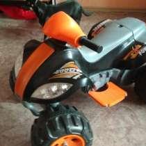 Продам детский квадроцикл, в Омске
