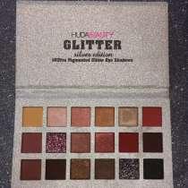Палетка теней Huda Beauty Glitter Silver Edition, в Новокузнецке
