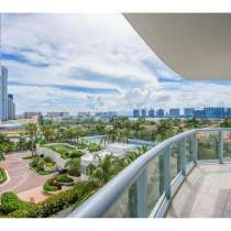Роскошная квартира в Санни-Айлс на Коллинз-Авеню, в г.Майами