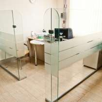 Зонирование кабинета стеклянной перегородкой, в г.Брест