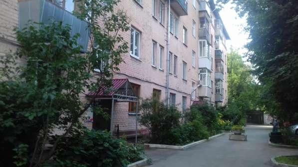 Продается 1 квартира в кирпичном доме в центре города, балко