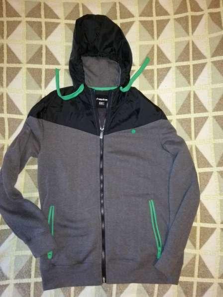 Спортивные куртки - ветровки - толстовки р. 48 обе на флисе в Москве