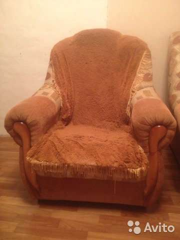 Угловой диван и кресло