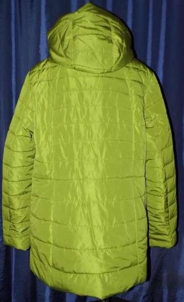 Куртка с оригинальным дизайном накладных карманов. Есть капю в Москве фото 3