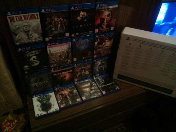 Sony PlayStation 4 Slim 1TB+ 16 Дисков с играми в Москве