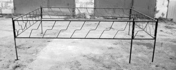 Ограды на кладбище в фото 3
