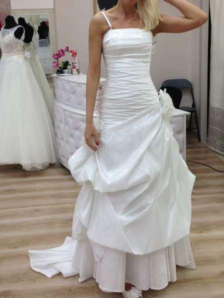 Свадебное необычное платье с пионами, 42-44.13000 руб в Краснодаре фото 5