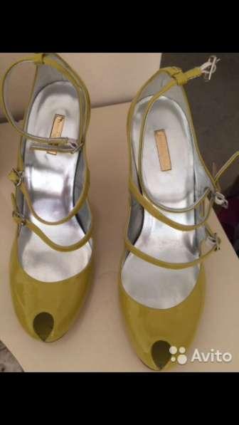 Туфли лаковые новые 38,5