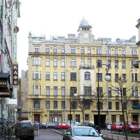 Четырехкомнатная квартира 95 кв. м на Конной улице