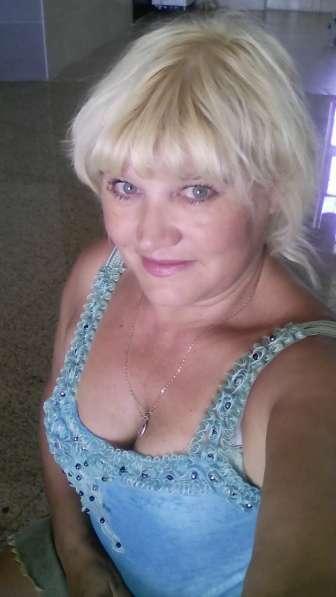 Татьяна, 47 лет, хочет познакомиться в Москве фото 3
