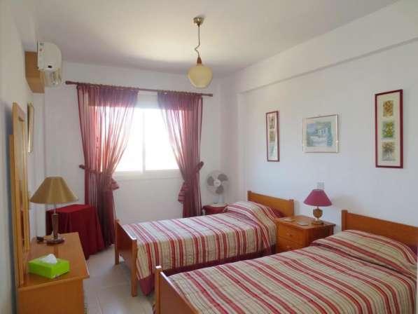 Трехкомнатный апартамент рядом с удобствами в Пафосе-Кипра в Москве фото 3