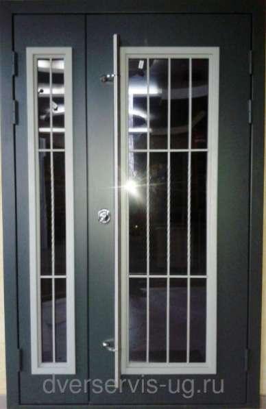 двухстворчатые металлические двери со с