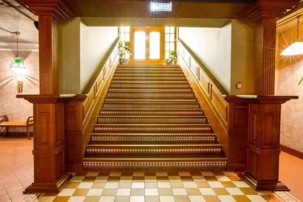 Лестница из массива дуба на заказ