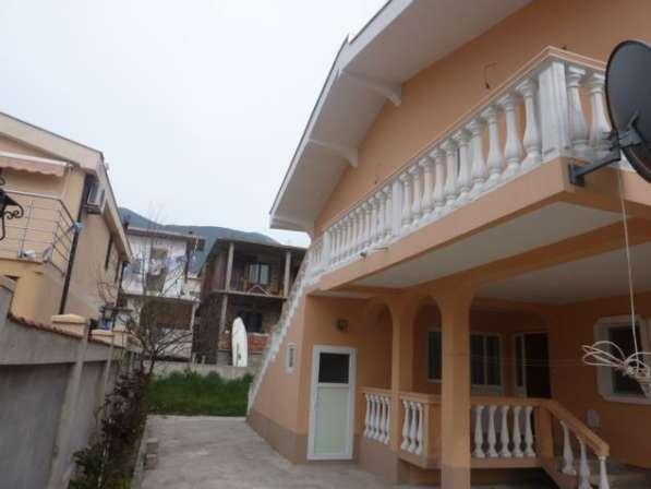 Двухэтажный дом в городе Бар. Черногория. Без комиссии в фото 12