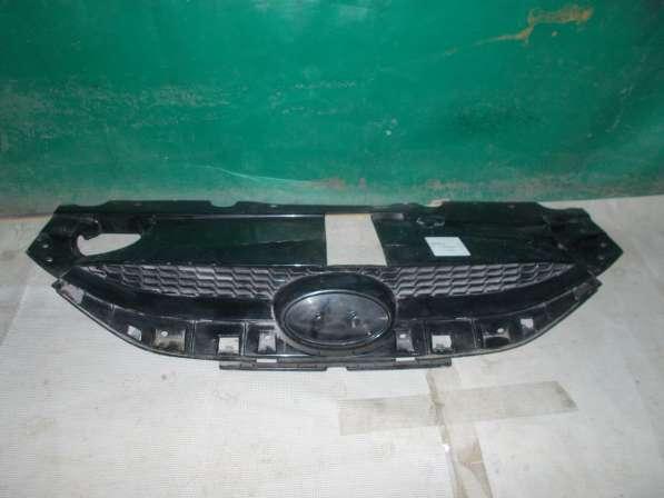 Hyundai IX35 Решетка радиатора б/у Оригинал хорошее состояни