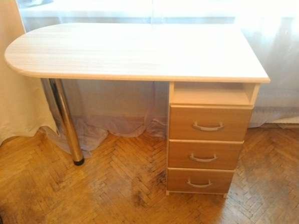 Компьютерный/ письменный стол