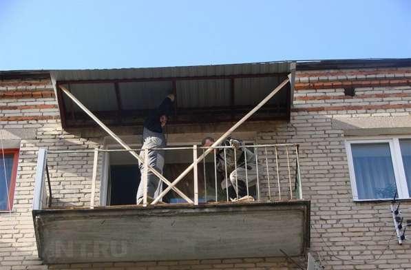 Козырек навес для балкона в фото 3