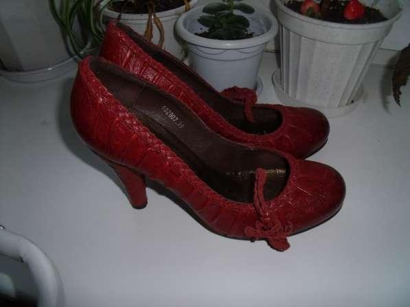 Шикарные брендовые туфли Casadei р.39 новые, обмен