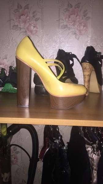 Туфли на высоком каблуке 41
