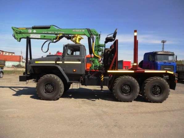 Лесовозный тягач УРАЛ 55571 дв. ЯМЗ 238 с новым ГМ ОМТЛ -97