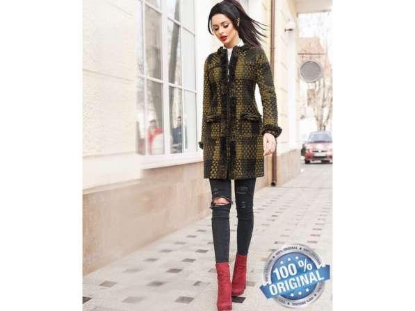Короткое женское пальто Вязка в фото 4