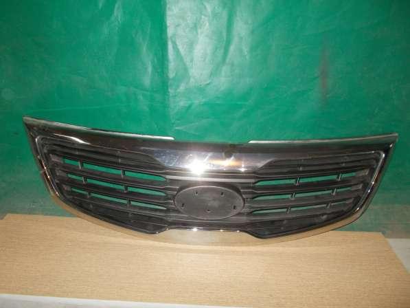 Kia Sportage 3 Решетка радиатора б/у Оригинал