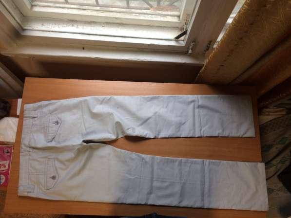 Брюки мужские белые, 26-29 размер в Екатеринбурге