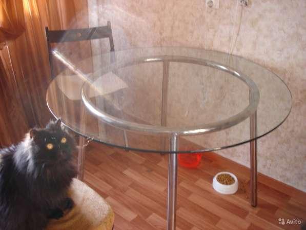 Стол обеденный круглый большой (стекло)