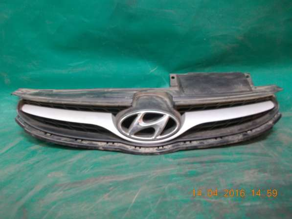 Решетка радиатора на Hyundai Elantra б. у